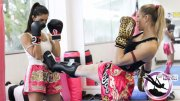 Essa é pra entrar em forma com a arte tailandeza! 50% OFF em 1 mês de aulas de Muay Thai para mulheres por apenas 49,90